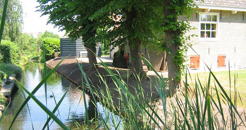 Beschoeiing: Natuurlijke beschoeiing kastanjehout