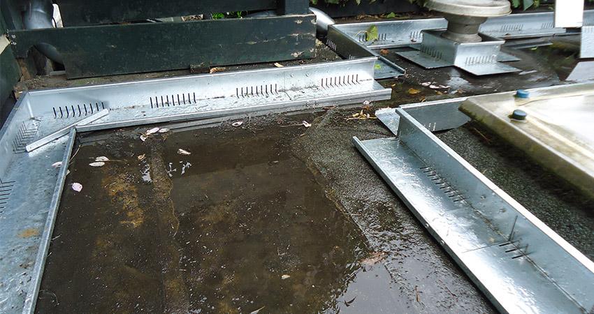 Dakterras/daktuin: Kantopsluiting voorafgaand aan klinkerbestrating op plat dak