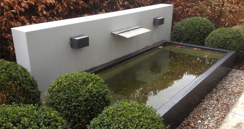 Waterelement: Metalen watermuur met vijverbak