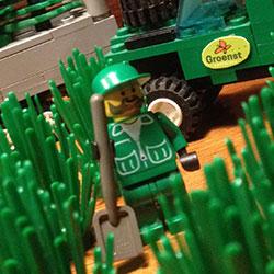 Lego-250x250pix-13